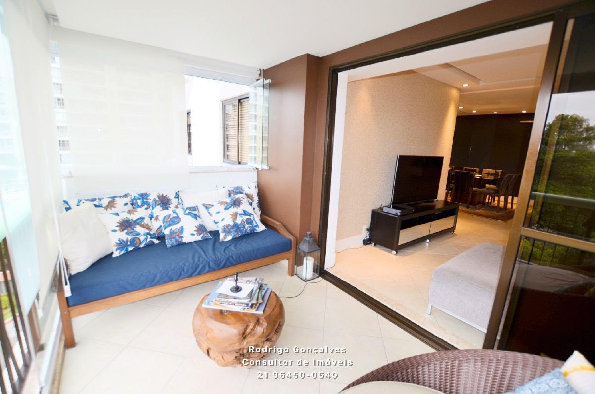 Maravilhoso Apartamento no Condominio Parque das Rosas na Barra da Tijuca