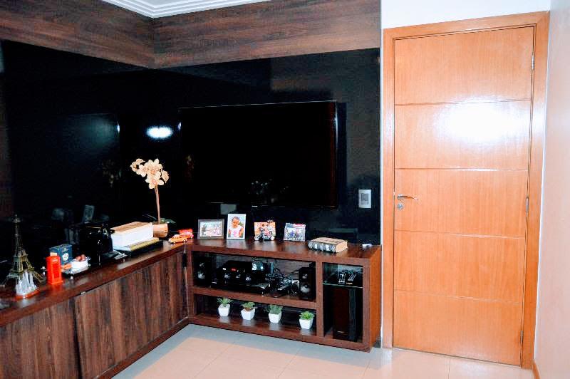 Qd 210 - 04 quartos 03 suites- Duplex