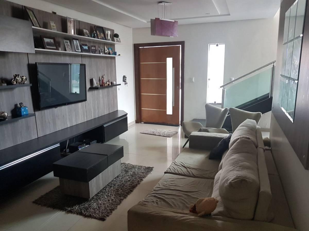 Casa de Alto Padrão com 5 quartos - Rua 08 do Vicente Pires