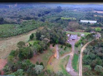 Rural de 5 quartos, Quatro Barras
