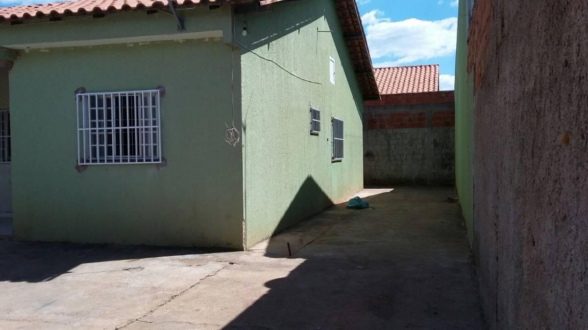 Casa Águas Lindas 3 quartos próx. Tatico. Setor 08 R$ 35.000 (61) 9.8120-1116