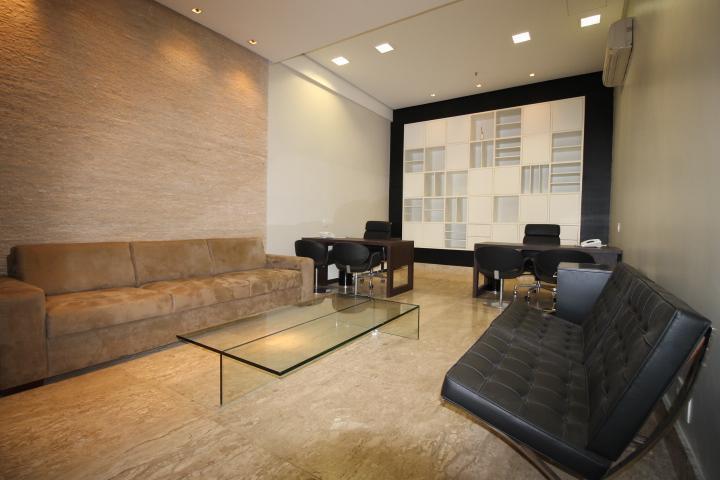 1 - Interior