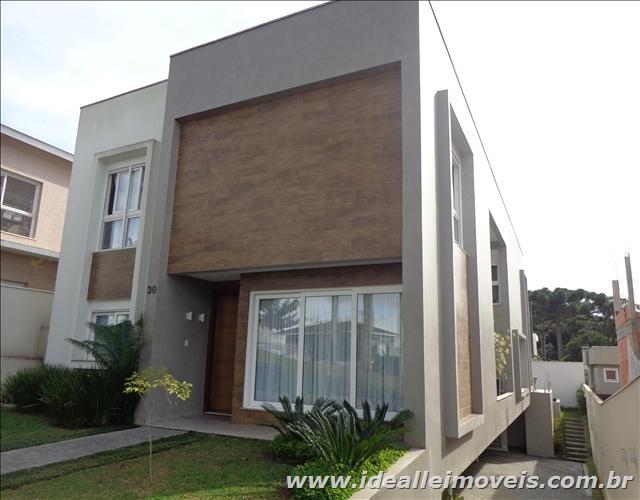 Maravilhosa residência em condomínio fechado de alto padrão