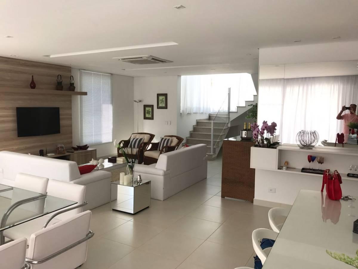 Imóvel Alto Padrão Condomínio fechado na Praia de Santa Rita Ubatuba