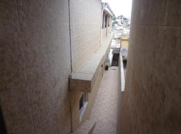 Casa 2 dormitórios, 2 banheiros, 2 vagas cobertas, churrasqueira