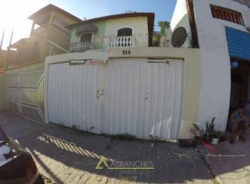 Casa · 95m² · 3 Quartos · 2 Vagas