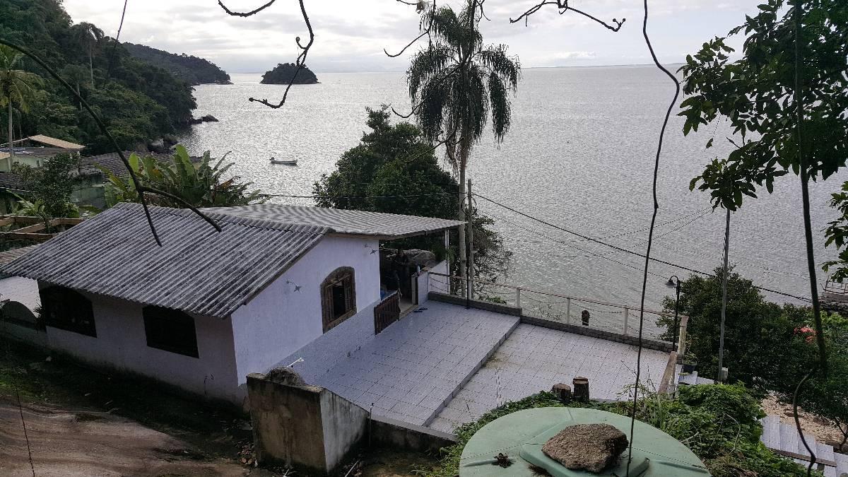 Casa de Praia Ilha de Jaguanum Itacuruçá muito verde terreno 2000 m²