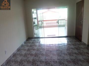 Casa · 210m² · 3 Quartos · 3 Vagas