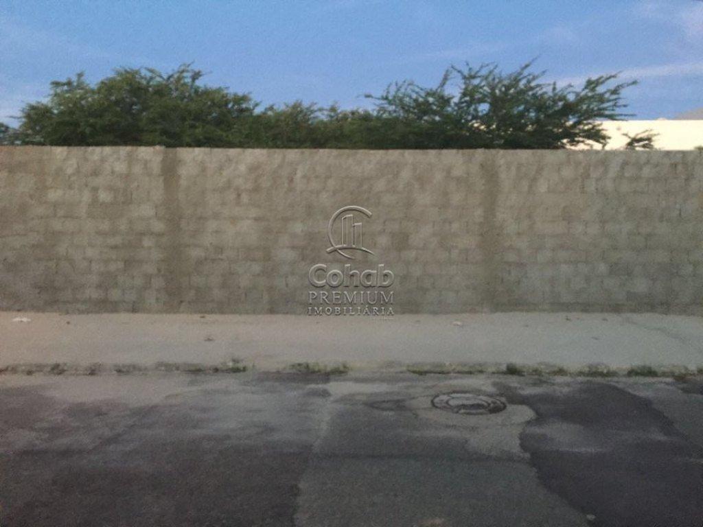 Vende-se terreno no bairro Atalaia