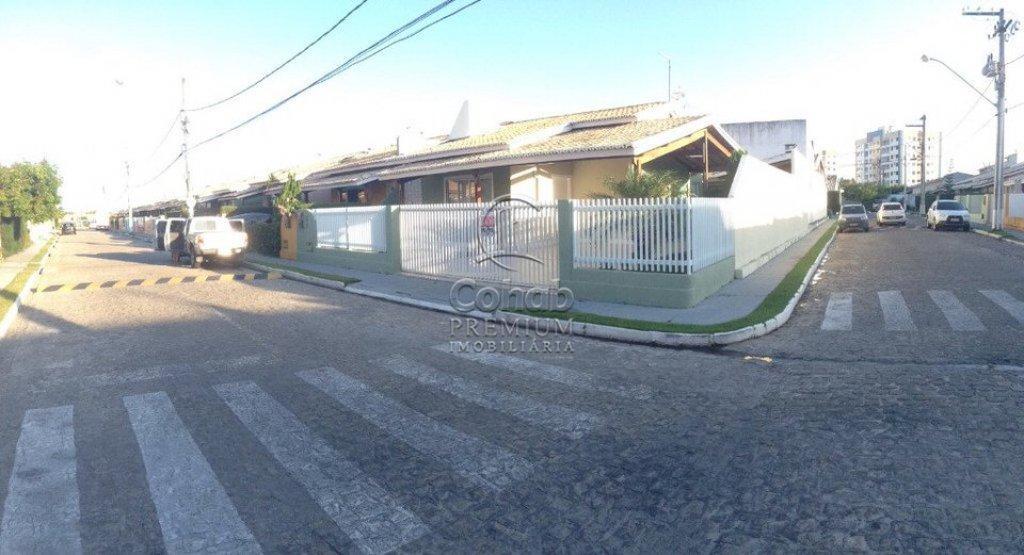 Vende-se casa no condomínio fechado Villa Viver