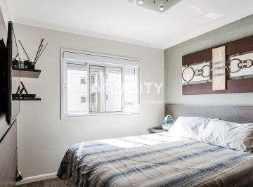 Apartamento com varanda gourmet envidraçada, 2 suítes, sala ampliada, 2 vagas, lazer completo.