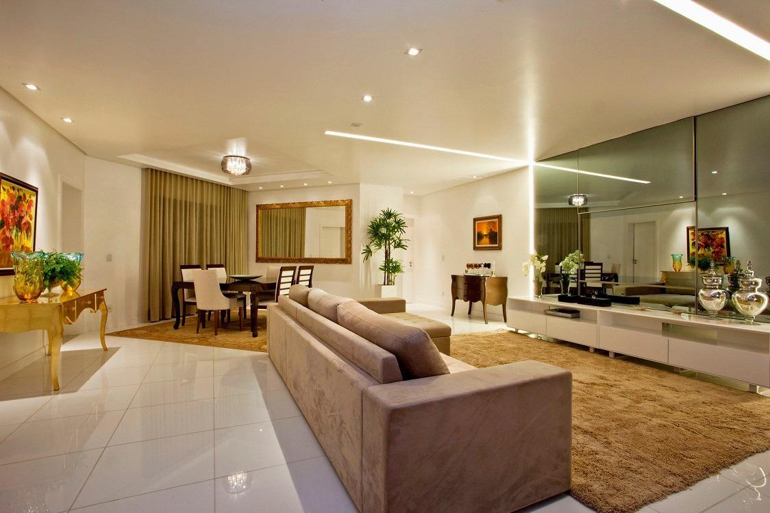 Apartamento · 208m² · 4 Quartos · 4 Vagas