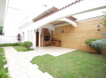 Casa · 234m² · 4 Quartos · 4 Vagas