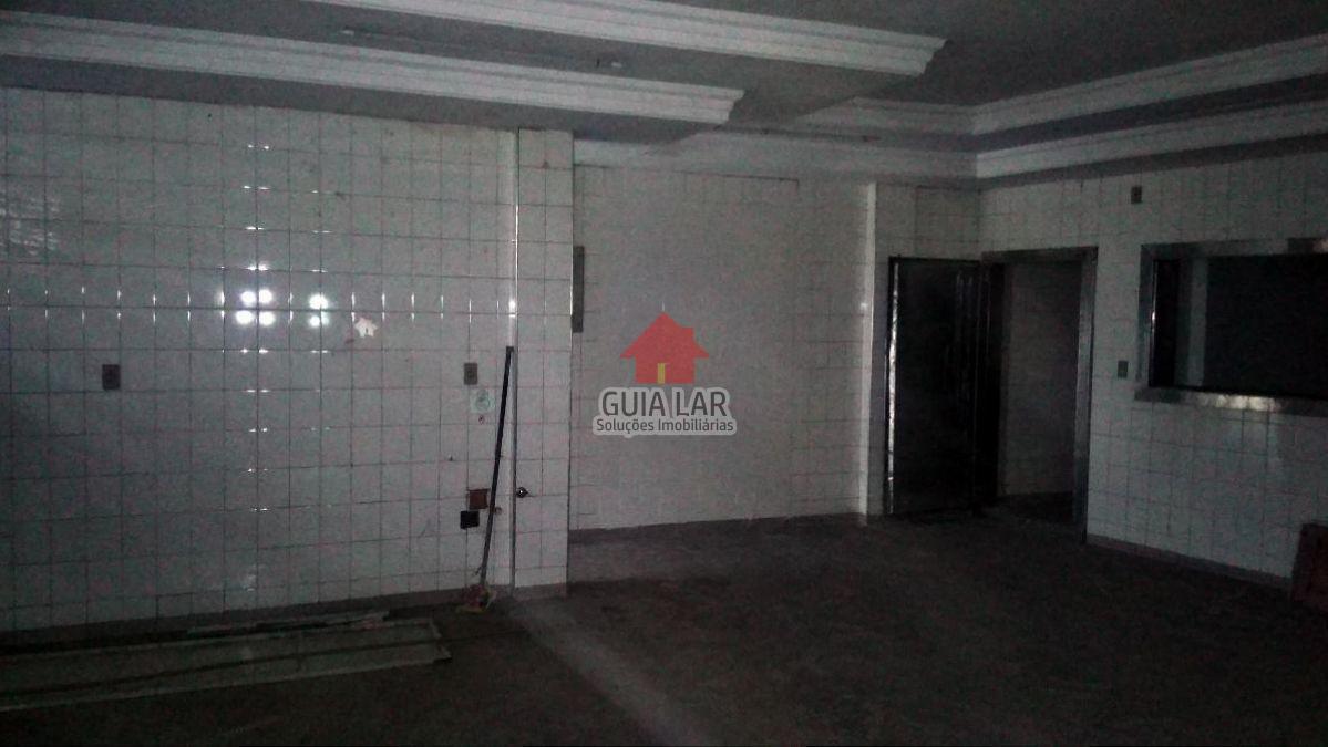 ... Loja ampla com 360 m² com pé direito alto - Avenida Presidente Kennedy,  Ano Bom, Barra Mansa - RJ. Imprimir. Denunciar anúncio. Anúncio finalizado 671e493185