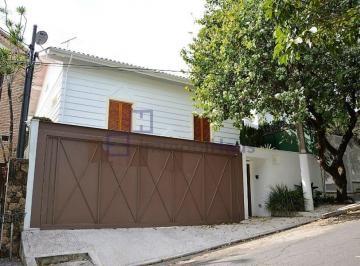 Casa · 340m² · 4 Quartos · 3 Vagas