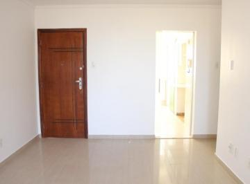 Aluguel Apartamento composto por 3 quartos, sendo 1 Suíte, SHCGN 713 Asa Norte, Vazado, Reformado