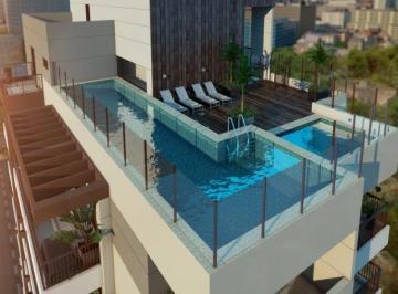 Vista piscina na cobertura