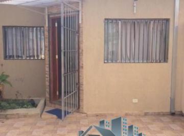 Casa térrea com dois quartos sendo uma suíte, no Residencial Estoril,Taubaté/sp.