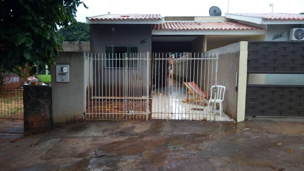 Venda - Casa - 3 quartos - 69,98m² - UMUARAMA