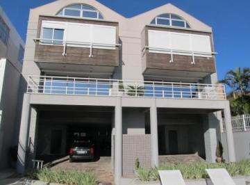 Casa · 833m² · 6 Quartos · 8 Vagas