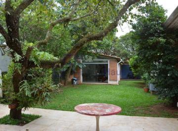 Casa · 320m² · 4 Quartos · 3 Vagas