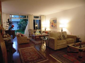 Casa · 380m² · 3 Quartos · 4 Vagas
