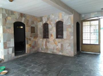 Casa · 277m² · 4 Quartos · 6 Vagas