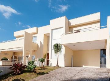 Casa · 306m² · 3 Quartos · 4 Vagas