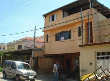 Casa · 240m² · 9 Quartos · 2 Vagas