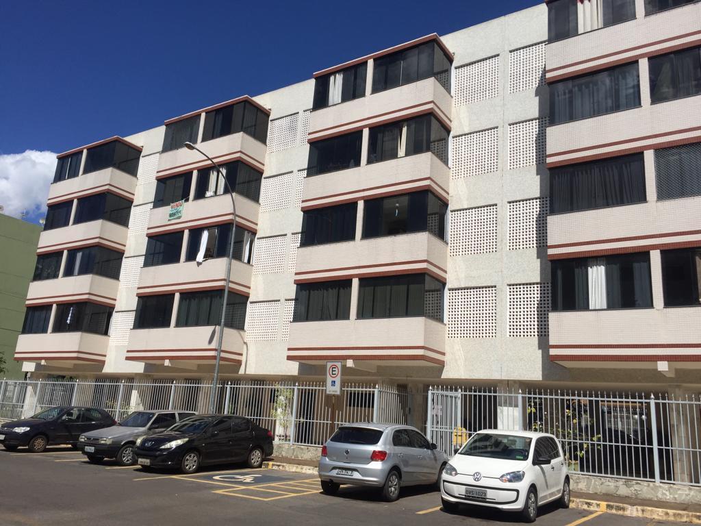 Apartamento de 2 quartos para locação no Cruzeiro Novo.