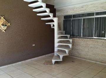 Casa · 120m² · 5 Quartos · 2 Vagas