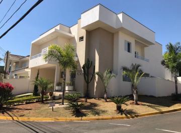 Casa · 380m² · 4 Quartos · 4 Vagas