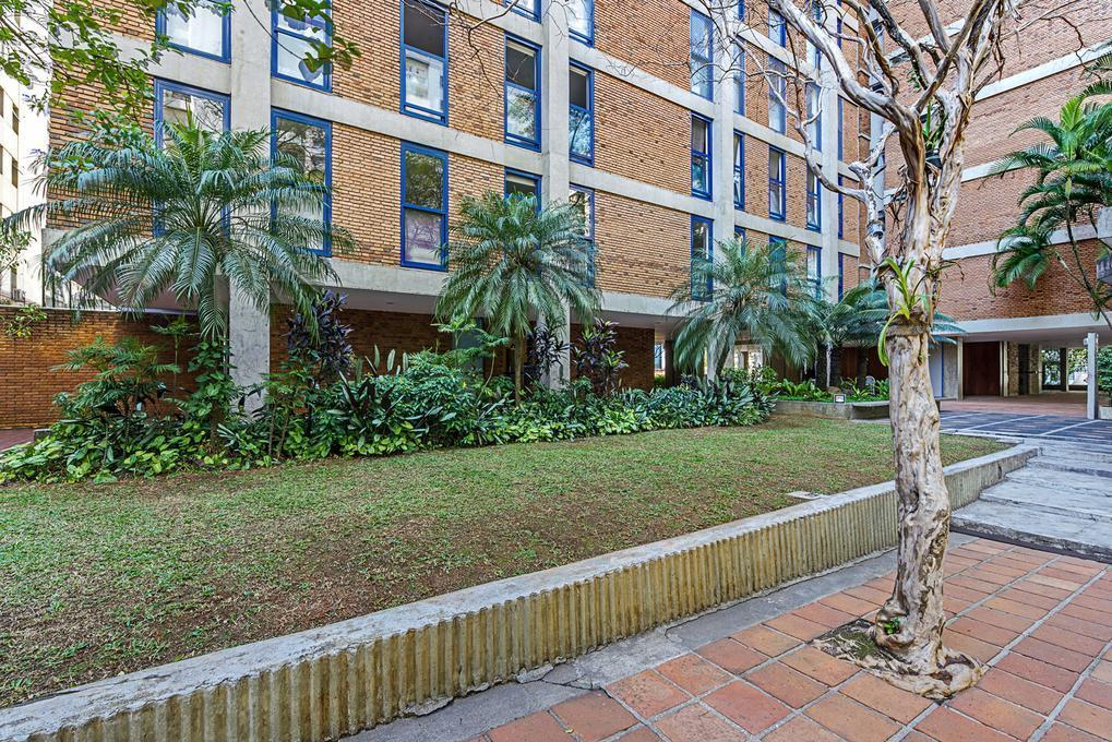 Apartamento no GEMINI I com 2 dorm e 81m, Moema - São Paulo