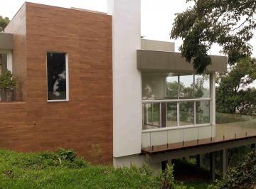 Casa · 278m² · 3 Quartos · 2 Vagas