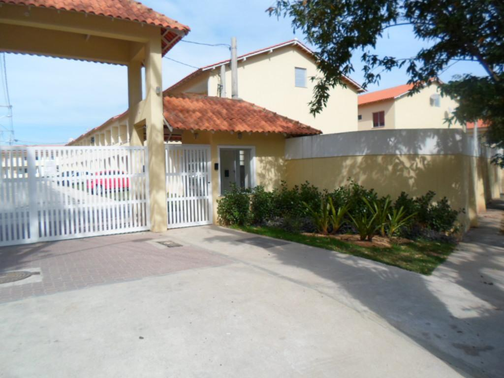 Casa para alugar na Pedra de Guaratiba,  com 2 quartos,  lazer, piscina, garagem