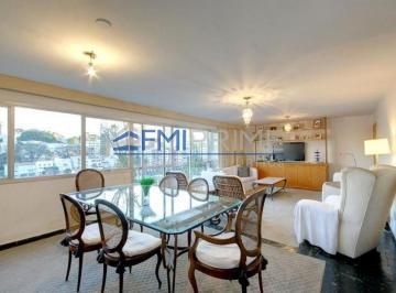 Apartamento · 300m² · 4 Quartos · 4 Vagas