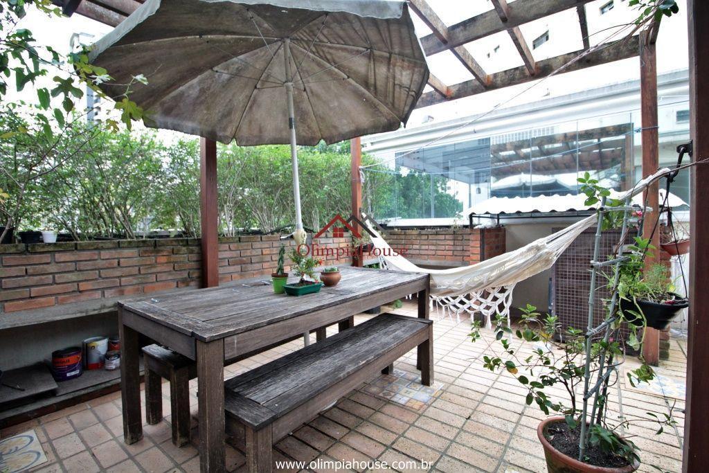 Casa à venda com 230m², Paraíso, São Paulo.