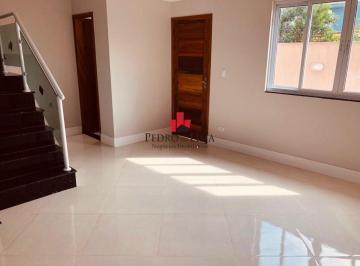 Casa · 160m² · 3 Quartos · 2 Vagas