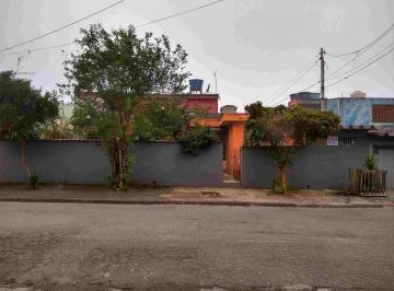 Casa · 200m² · 2 Quartos · 1 Vaga