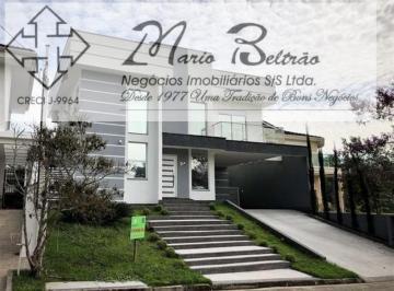 Casa · 236m² · 3 Quartos · 4 Vagas