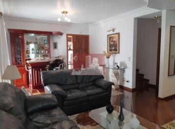 Casa · 270m² · 3 Quartos · 3 Vagas