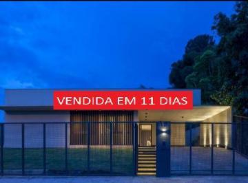 Casa · 800m² · 4 Quartos · 4 Vagas