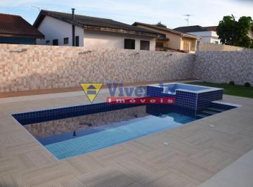 Casa · 360m² · 4 Quartos · 3 Vagas
