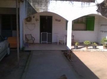 Casa · 140m² · 5 Quartos · 3 Vagas