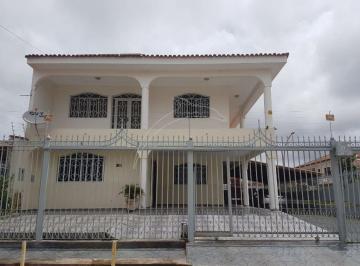 Casa · 357m² · 5 Quartos · 6 Vagas