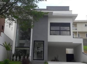 Casa · 198m² · 3 Quartos · 4 Vagas