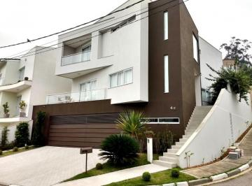 Casa · 390m² · 4 Quartos · 6 Vagas