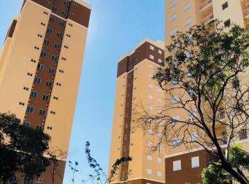 Condominio com 3 torres