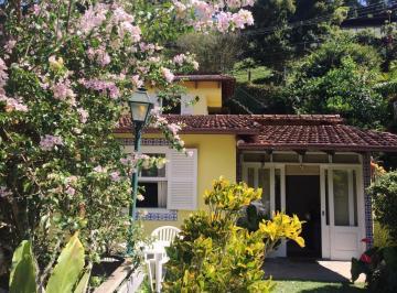 Casa de 4 quartos, Petrópolis