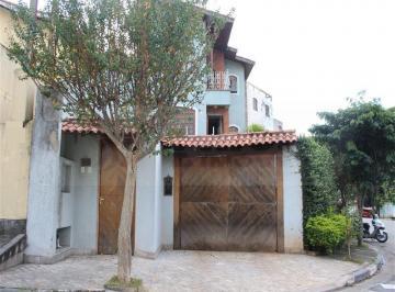 Casa · 270m² · 4 Quartos · 2 Vagas